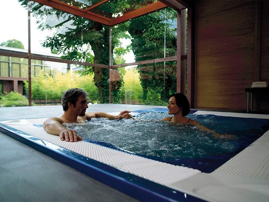 jacuzzi einbau whirlpool modelle armstark. Black Bedroom Furniture Sets. Home Design Ideas